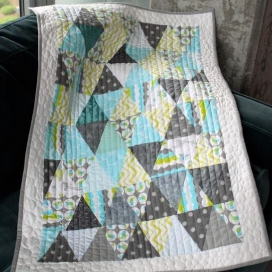 "PDF Baby Quilt Pyramid, Size 23"" x 35"" at Makerist - Image 1"