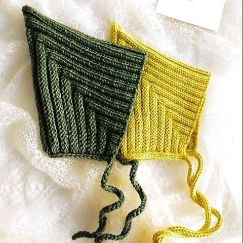 Elf Hat&Cowl PDF Knitting Pattern at Makerist
