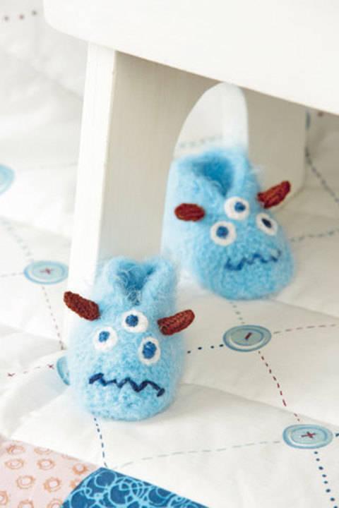 Hellblaue Monster-Schühchen