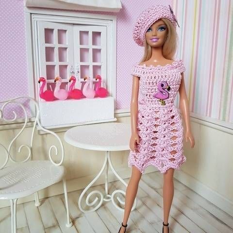 """Flamant Rose"" patron au crochet poupée Barbie"