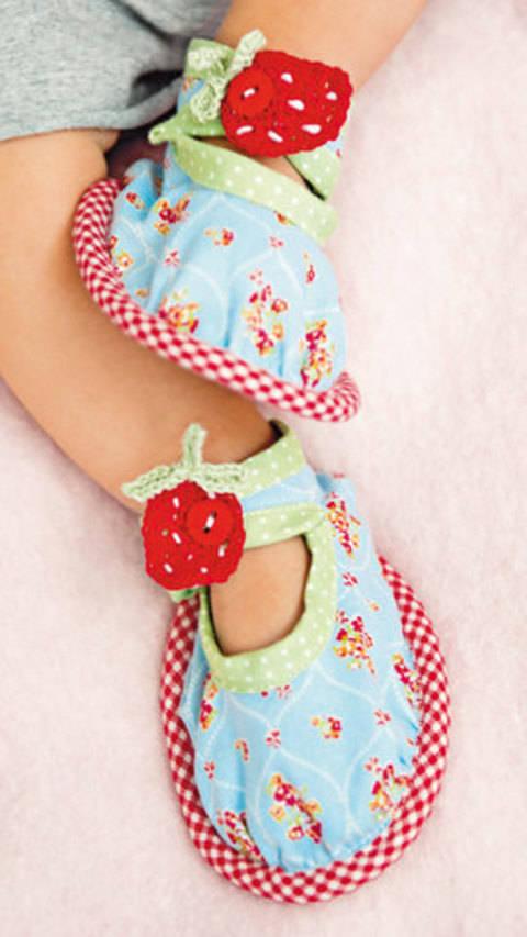 Ballerina mit Erdbeere