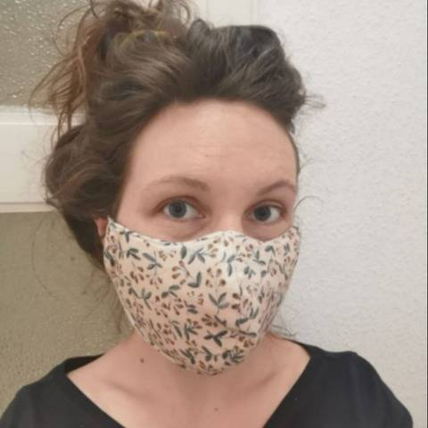 Protective mask pattern at Makerist