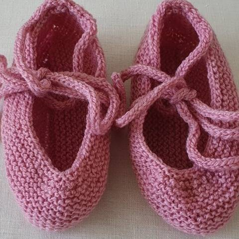 Girl's ballet slippers in 8ply yarn - Sabrina