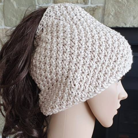 Moss stitch ponytail beanie, 2 years to lady - Wendy