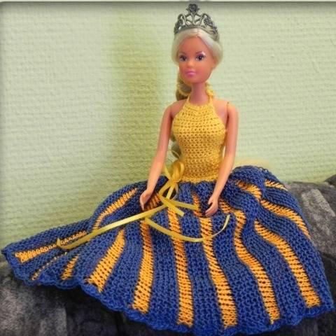 Strick- und Häkelanleitung für Puppen Neckholder-Kleid