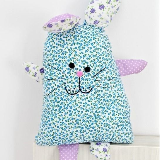 Bunny pillow sewing pattern at Makerist - Image 1