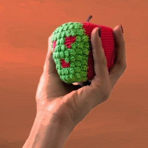 Poison Apple Crochet Pattern at Makerist