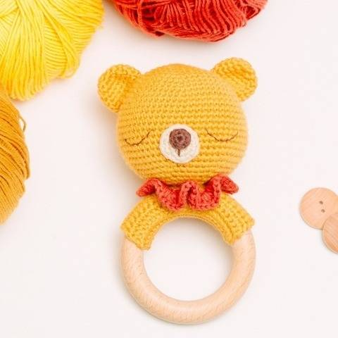 Bear rattle crochet pattern, amigurumi bear teether  at Makerist