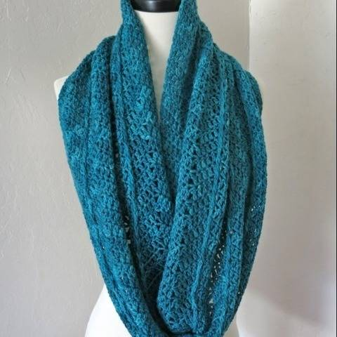 Winter Wrap Infinity Scarf of Cowl Crochet Pattern