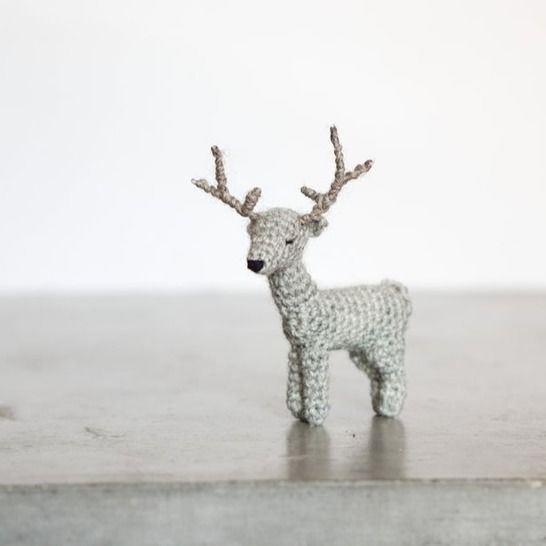 031 - The adorable deer at Makerist - Image 1