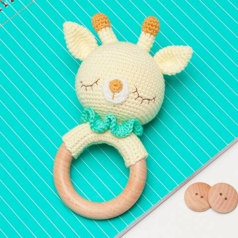 Giraffe rattle crochet pattern, amigurumi giraffe at Makerist