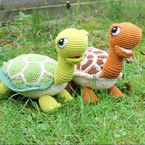 green and brown turtles package crochet pattern