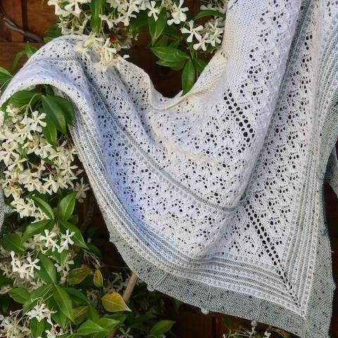 Kotelny, triangular shawl at Makerist