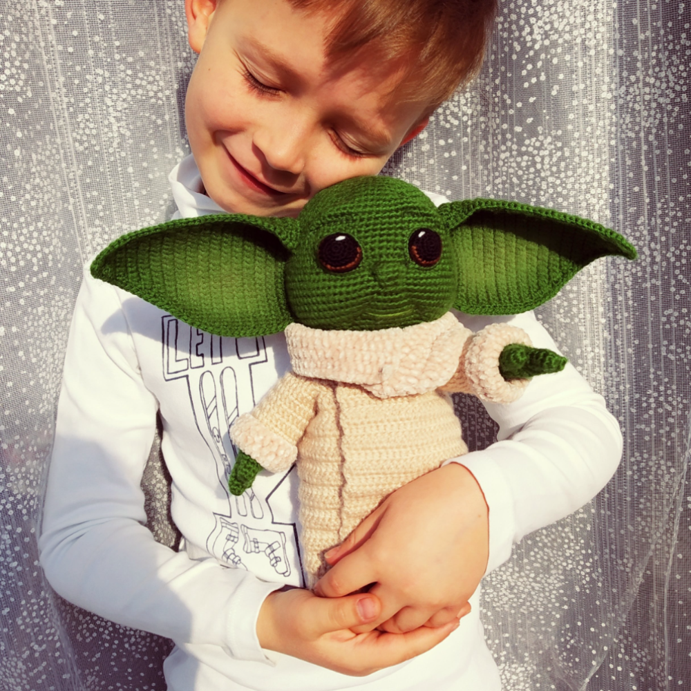 Ravelry: The Child/Baby Yoda Amigurumi pattern by hooked on fandom | 1000x1000