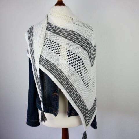 "Knitting pattern shawl ""Keyla"""