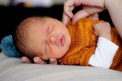 Cardigan bébé 1 taille : nouveau né - tricot chez Makerist