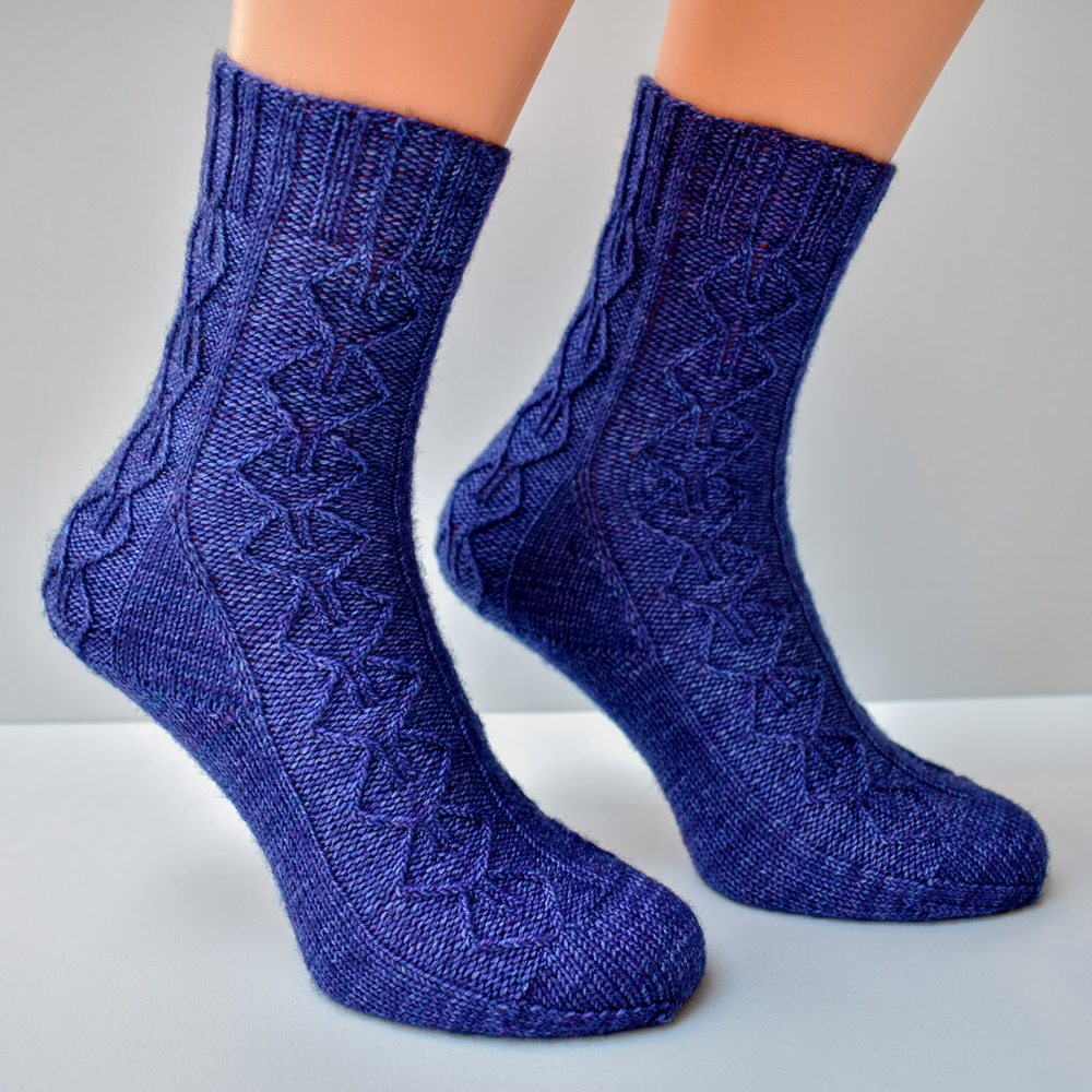 Cabled sock knitting pattern PDF - Time Room