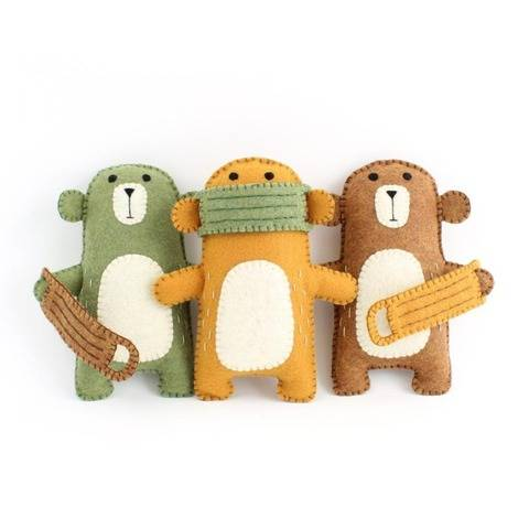 Bears With Masks Hand Sewing Pattern