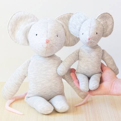 Mouse stuffed toy sewing pattern at Makerist
