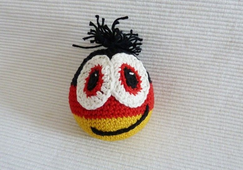 Häkelanleitung: Antistress Fussball bei Makerist - Bild 1