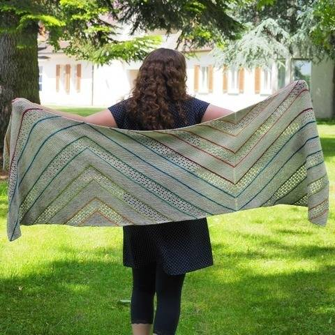 Tag am See (means a day at the lake) - a rectangular shawl