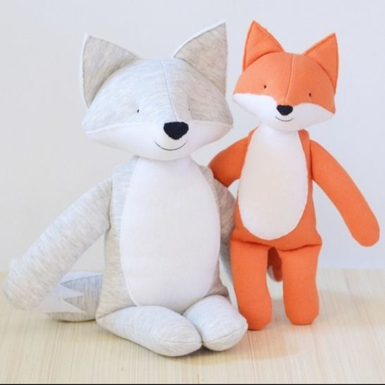 Wolf and fox (small and large) stuffed toy sewing pattern at Makerist - Image 1