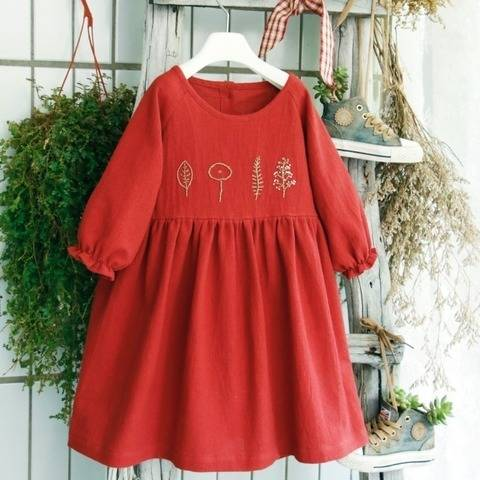 Scarlette the embroidery dress at Makerist