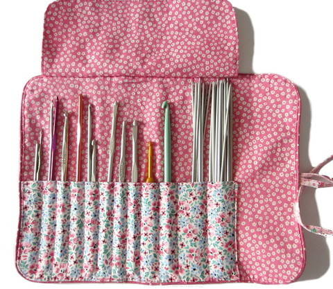Tutoriel gratuit de la trousse pour ranger vos crochets chez Makerist