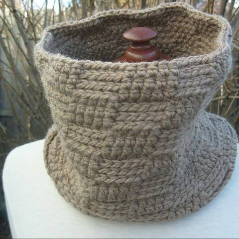 The One - crochet cowl