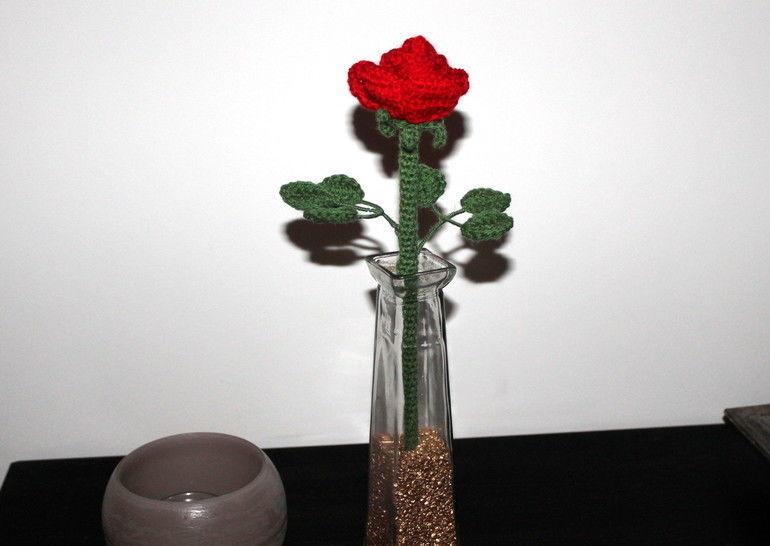 Rose Häkelanleitung ca 30 cm lang bei Makerist - Bild 1