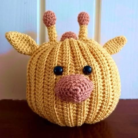 Pumpkin Pals Giraffe