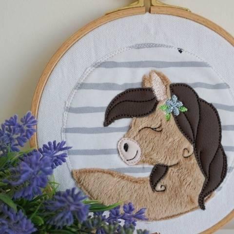 Stickdatei Pferd im Button Doodle