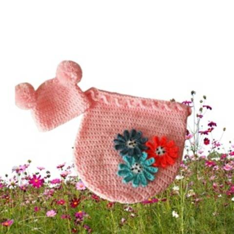 Baby girl cocoon and hat set