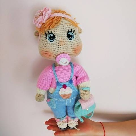 Crochet pattern: Doll in casual outfit