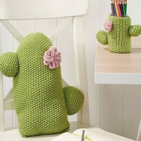 Cactus Cushion and Pen Pot at Makerist