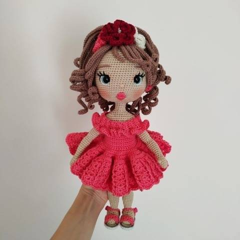 Astrid Doll crochet pattern in latina outfit