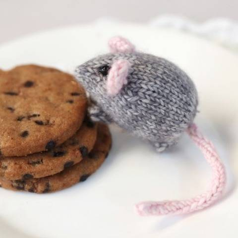 Knitted mouse, mini mouse - Knitting pattern
