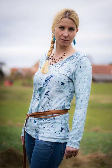 Effektvolles Shirt Ruby für Damen Nähanleitung und Schnittmuster bei Makerist - Bild 1