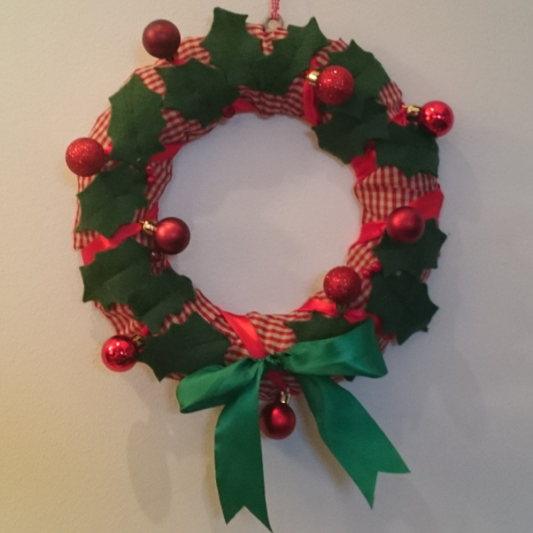 Christmas wreath PDF sewing pattern HOLLY BERRY