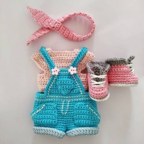 Crochet doll clothes pattern for Astrid
