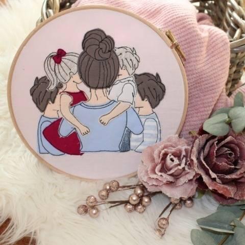 Stickdatei Mama mit Tochter und 3 Söhnen Doodle Set