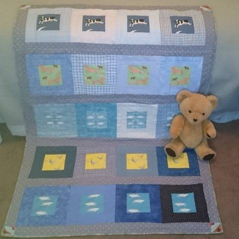 Baby quilt PDF quilt pattern DACHSHUNDS AND DOLPHINS at Makerist