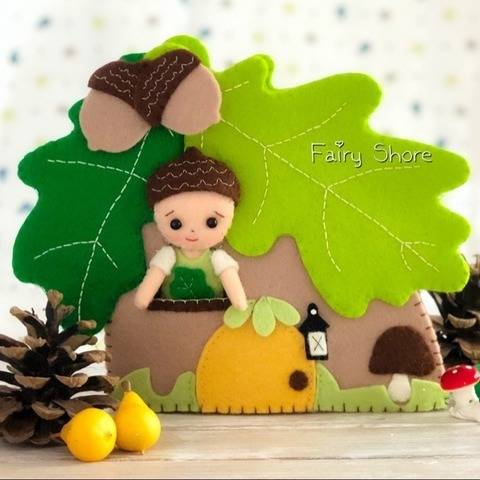 Oak house with acorn boy PDF SVG felt pattern