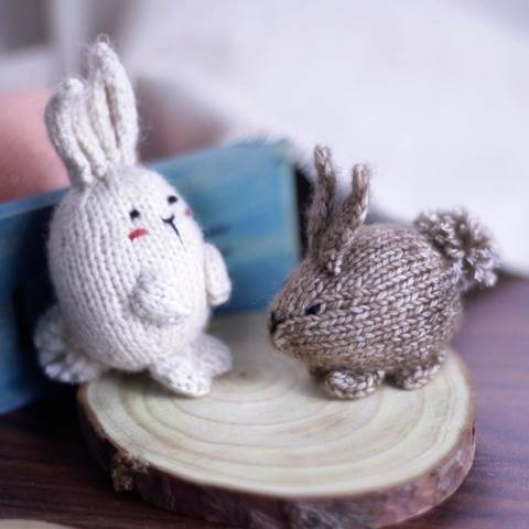 Knitted bunny, knitted rabbit - Knitting pattern (Keychain)