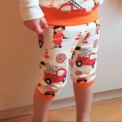 KINDER LEGGINGS LEGGINS MIT ROCK Gr. 56-146