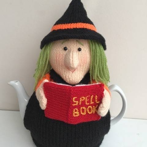 Witch tea cosy to fit 2.5 pint / 6 cup teapot