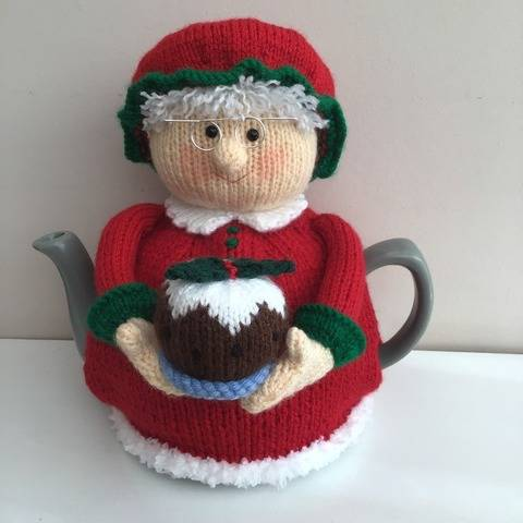 Mrs Claus tea cosy knitting pattern 6 cup teapot