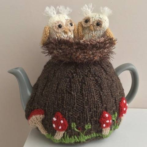 Owlets  tea cosy knitting pattern 6 cup teapot