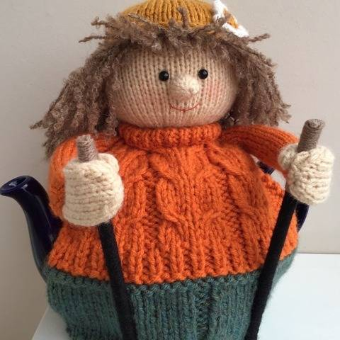 Betty goes walking tea cosy knitting pattern 6 cup teapot