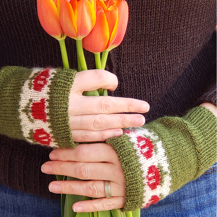 March Flowers Mitts